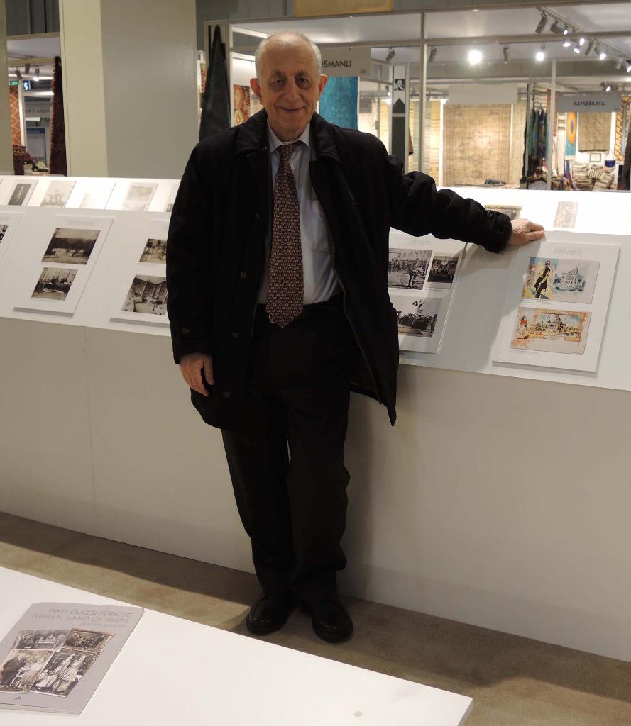 Forfatteren Hüseyin Alantar, som sto bak den interessante utstillingen