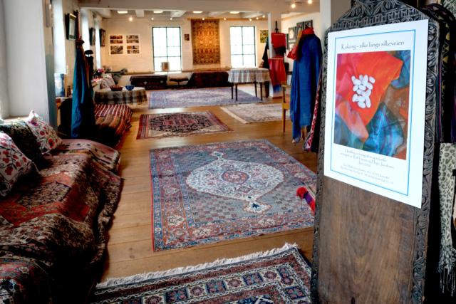 Fra utstillingen 'Kokong - silke langs silkeveien' på Grini Mølle sommeren 2020